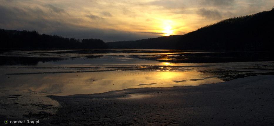Jezioro w Klonowie Dolnym
