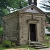 Kaplica grobowa w Łętowni :: Kaplica grobowa w Łętowni<br /> - soti na tyłach kościoł<br />a. Została wybudowana w I<br />I połowie XIX wiek